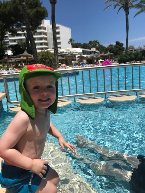 Toddler Vs. Plane – Majorca 2018