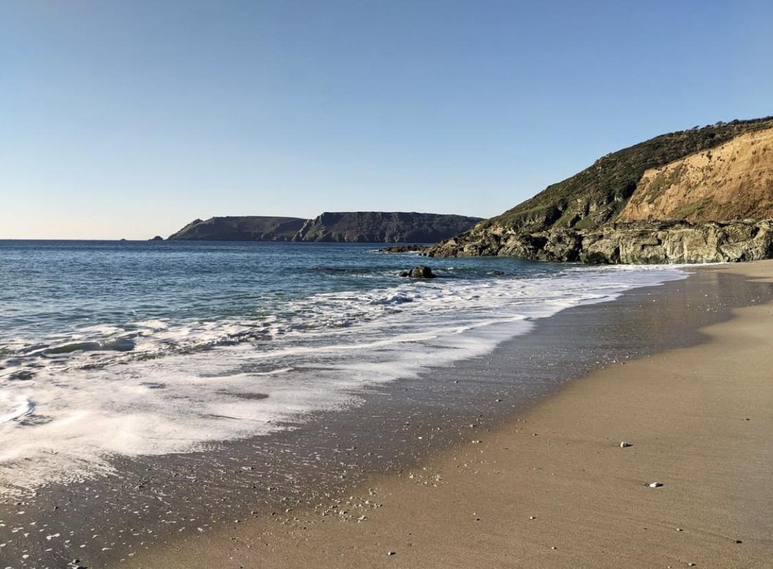 beach_at_gara_rock