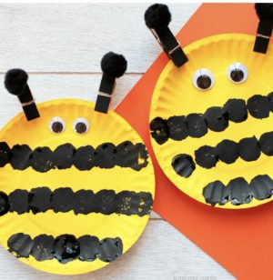 Paper Plate Bee Craft for Toddlers by Non Toy Gifts | Cotswold Baby Co